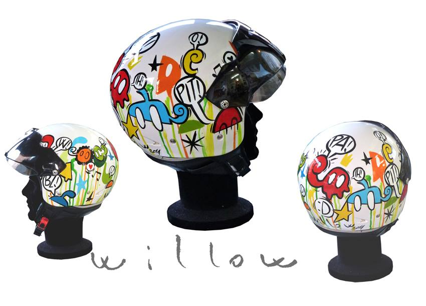 ONE-PIECE-ONLY HANDPAinted HELmet casco pitiNto a mano, pezzo unico.